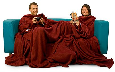 double-slanket-couple-on-sofa-gaming-reading